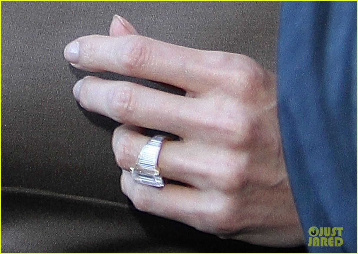 angelina jolie engagement ring roosevelt 03