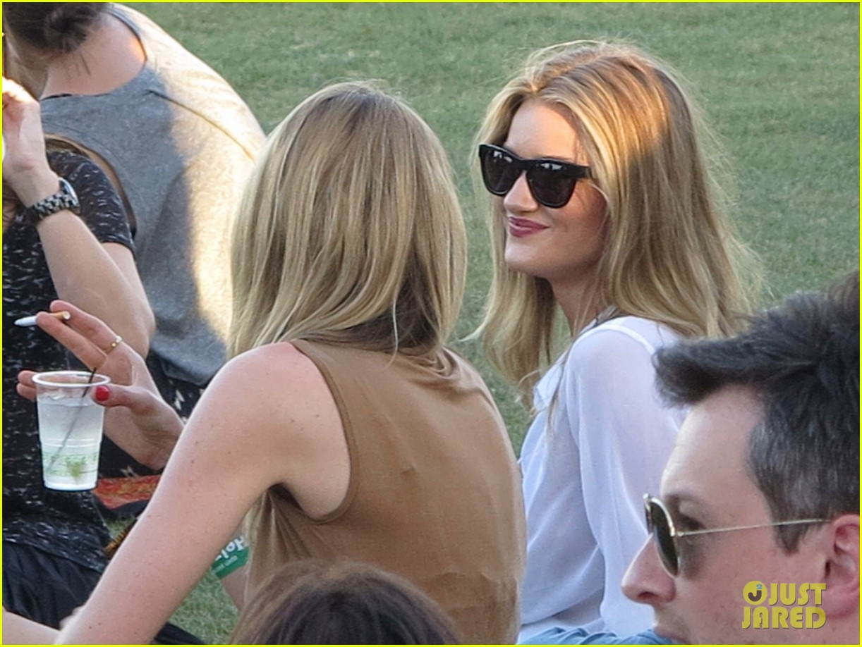 rosie huntington whiteley coachella 102651787