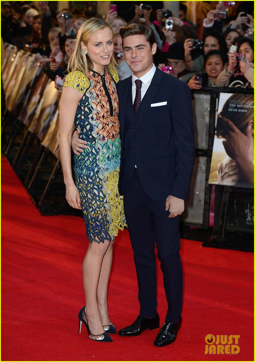 zac efron taylor schilling lucky one london 032652843