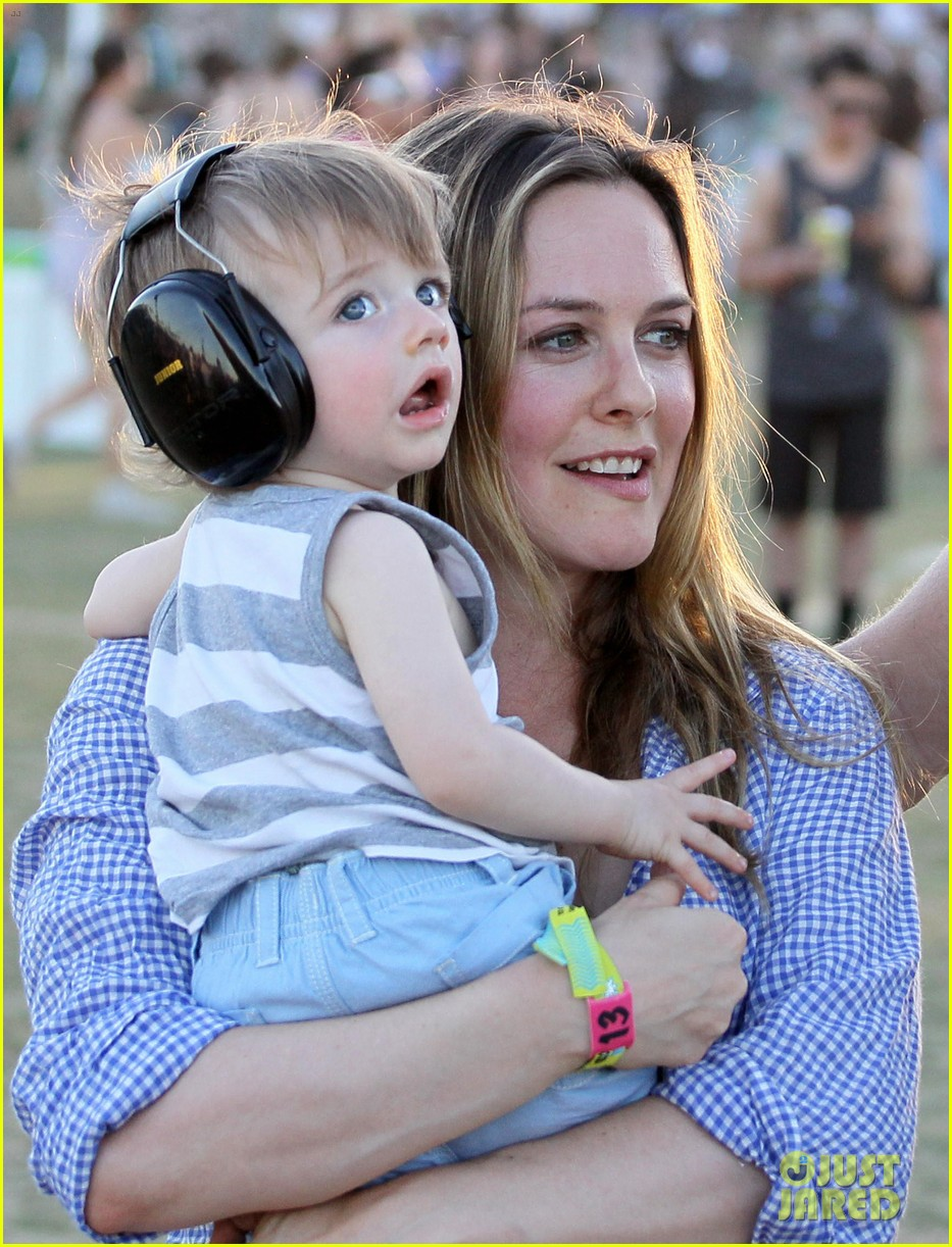 alicia silverstone brings baby bear to coachella 02