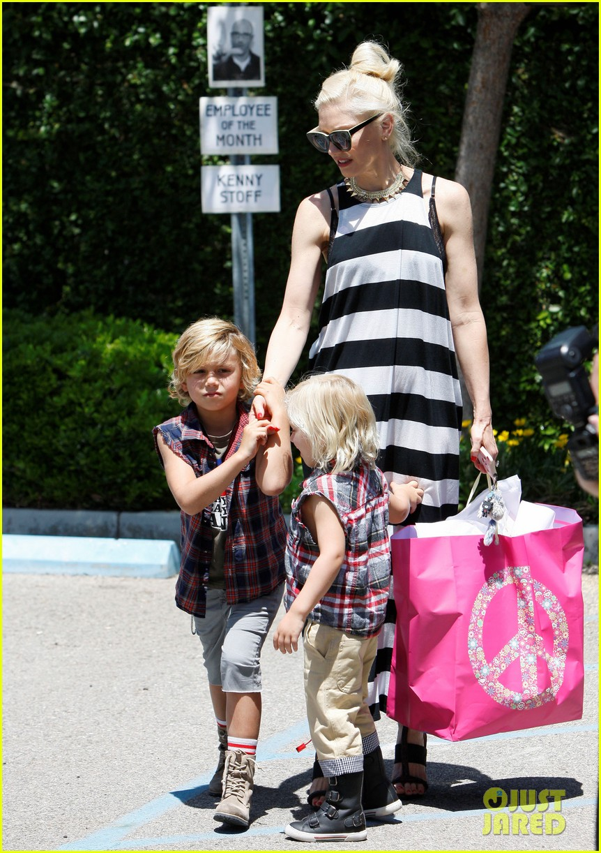 gwen stefani birthday party 102655281