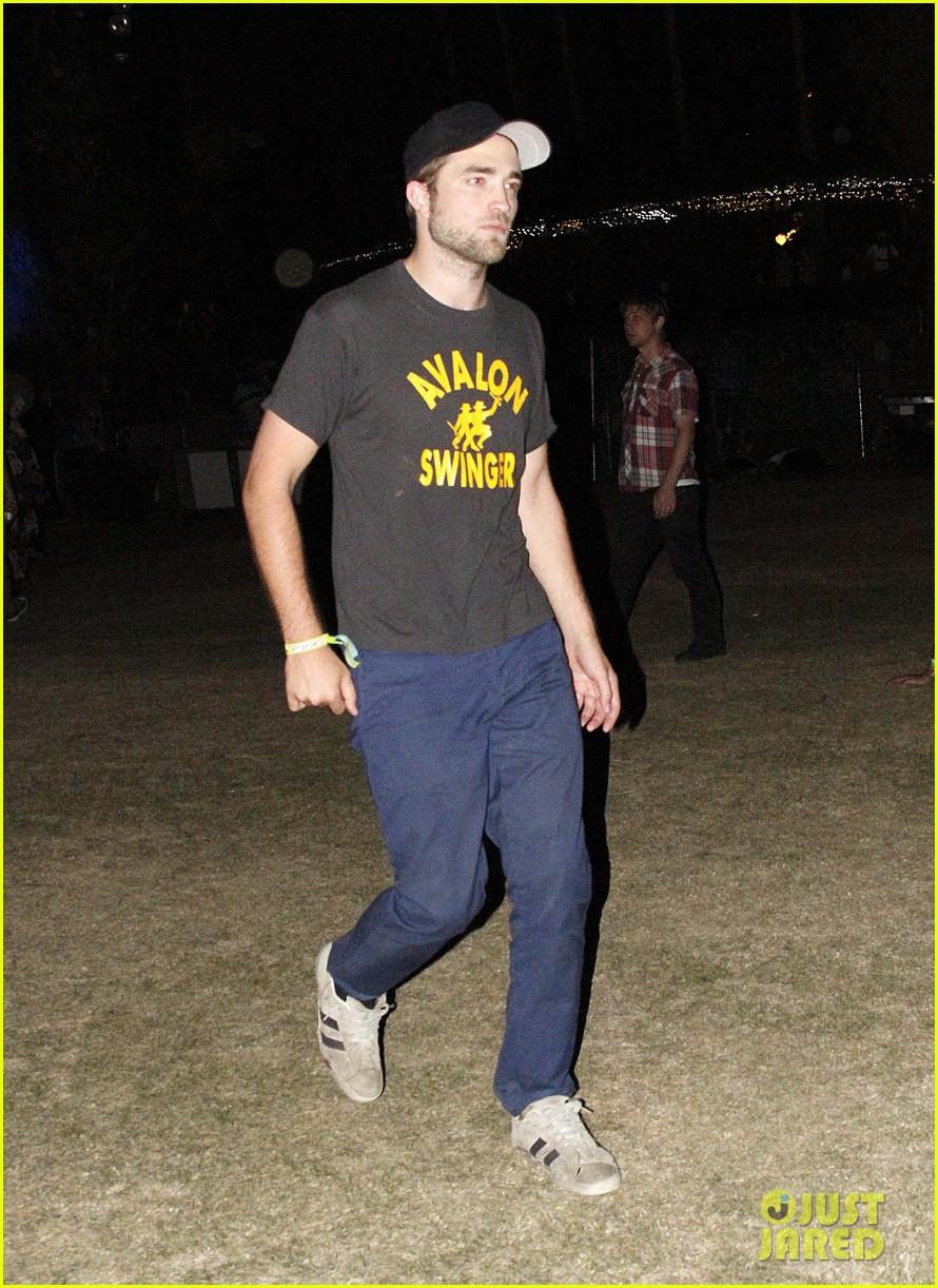 Kristen Stewart   Robert Pattinson  Coachella Closing Day!  Photo ... eabb7b9b5