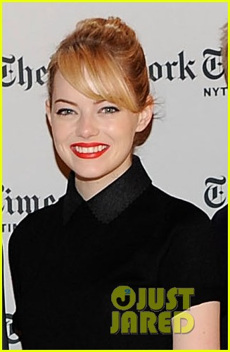 emma stone apartment reading 02