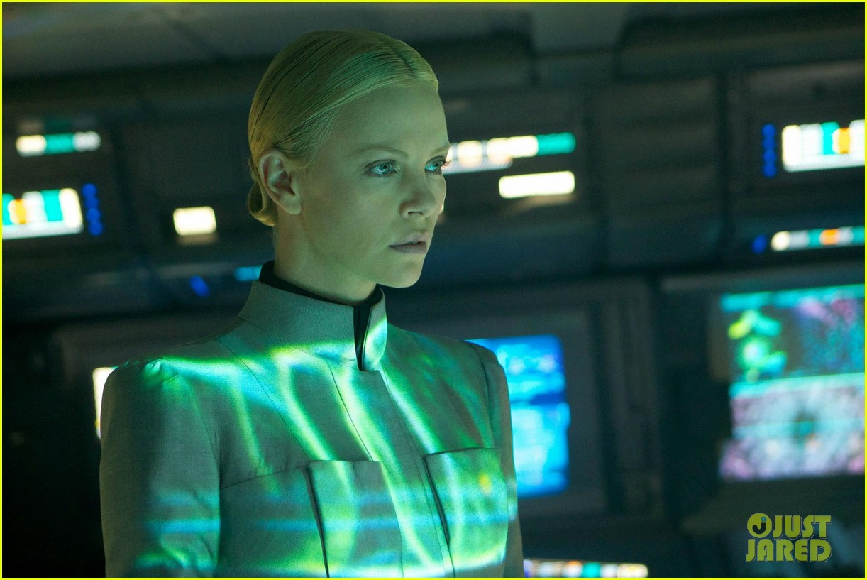 charlize theron new prometheus stills 02