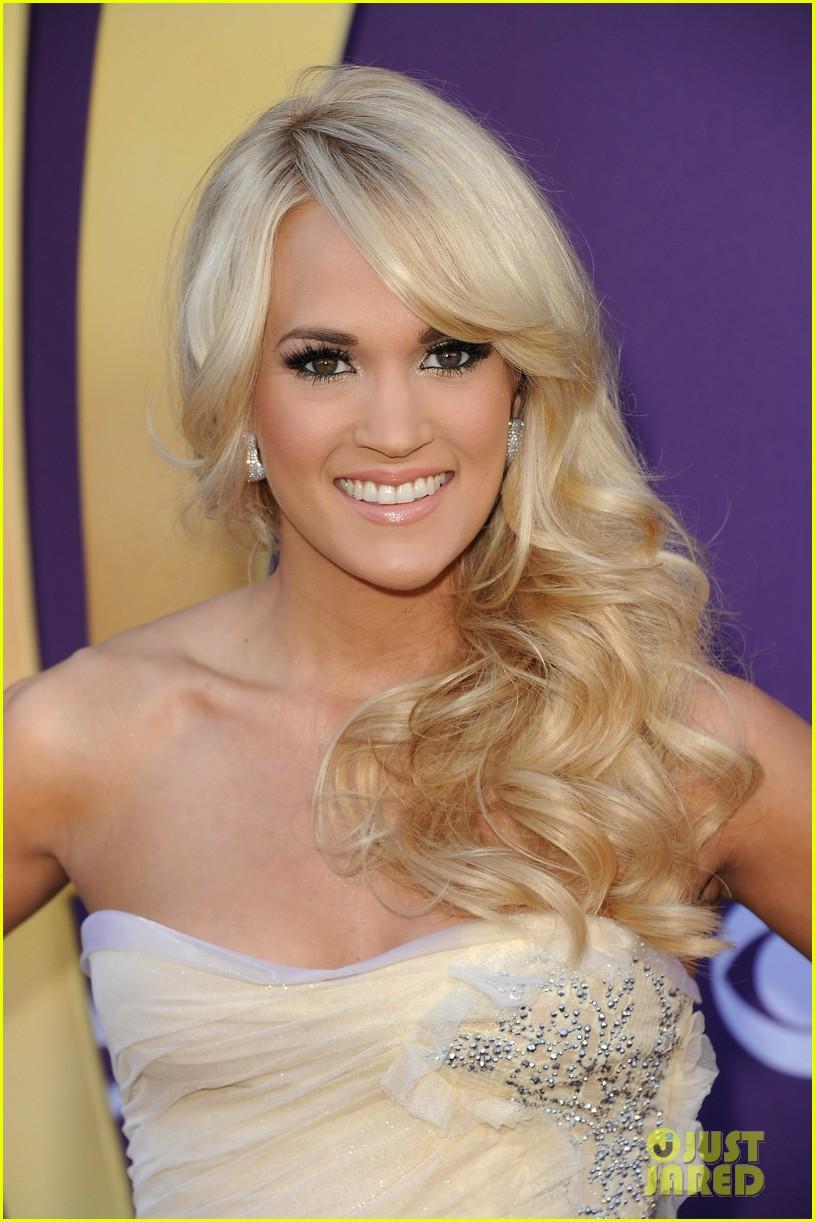 Full Sized Photo Of Carrie Underwood Acm Awards 07 Photo
