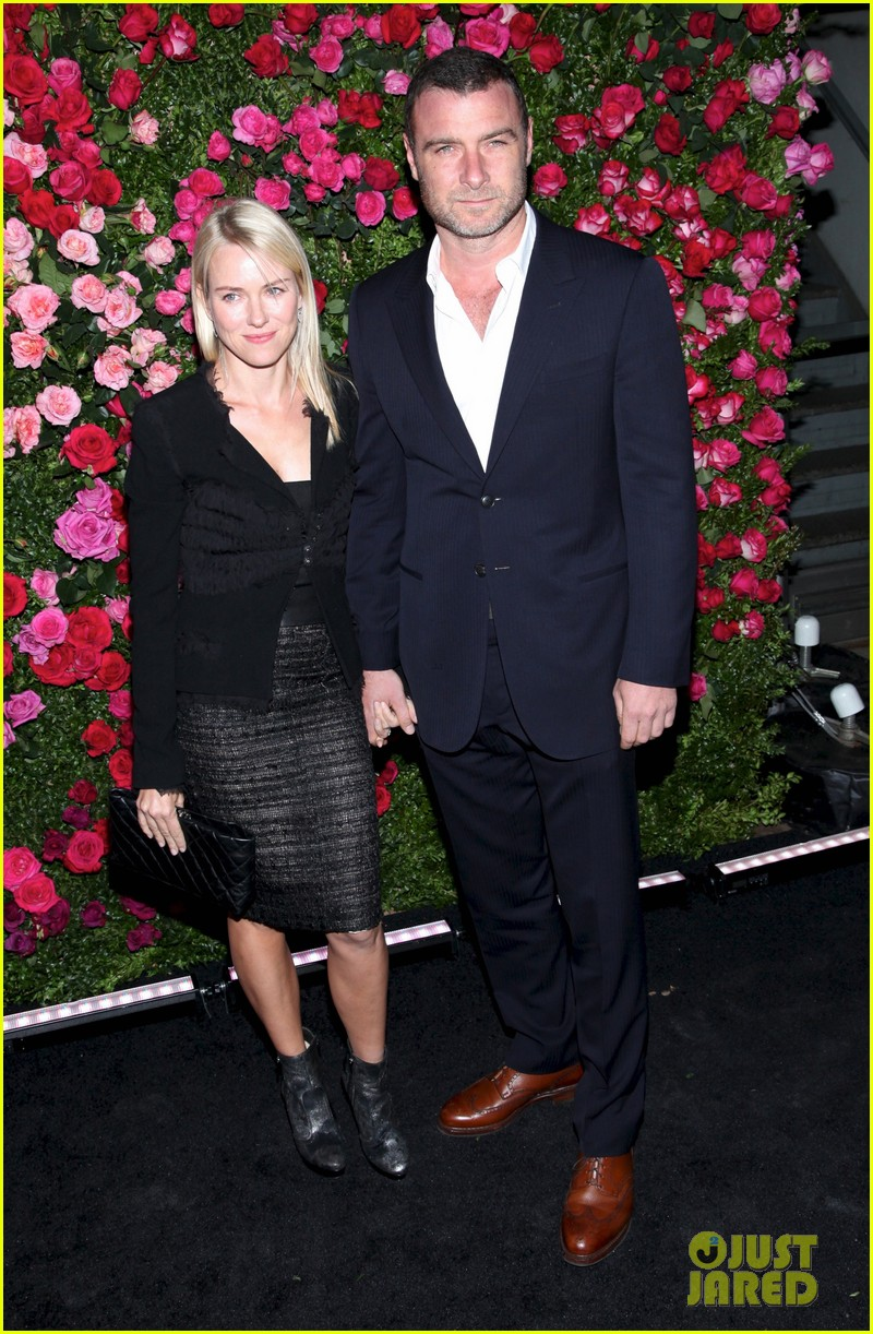naomi watts liev schreiber chanel artist dinner at tribeca 01