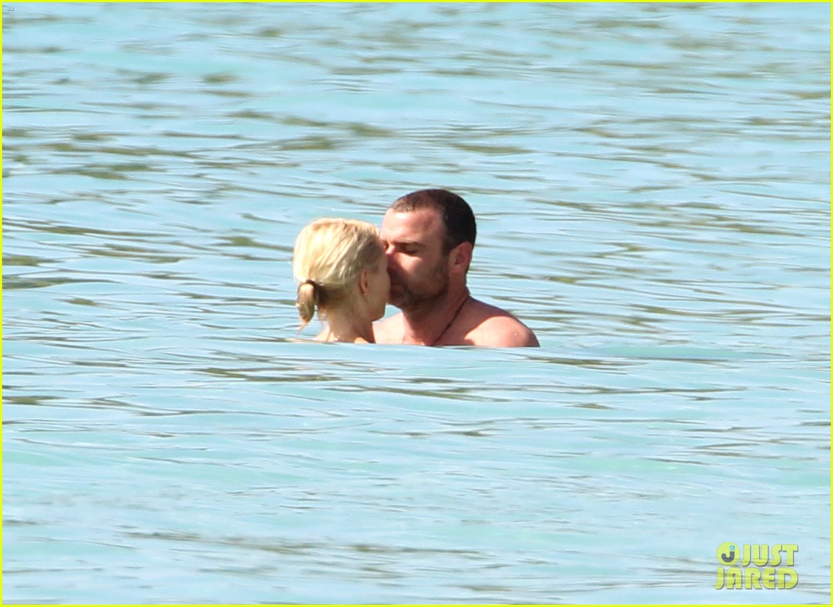naomi watts liev schreiber st james lovers 032646801