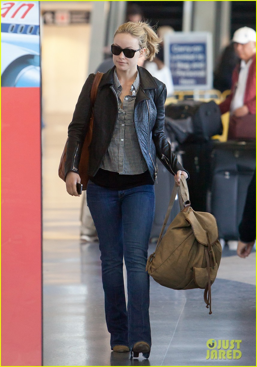 olivia wilde leaves lax 032648545