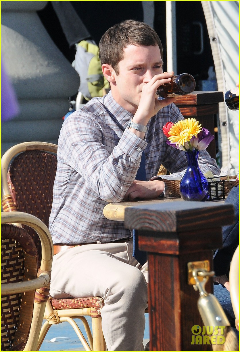elijah wood wilfred set 03