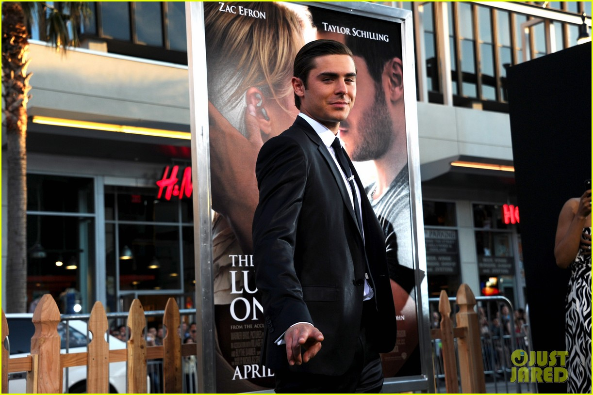 zac efron lucky one premiere 182650016