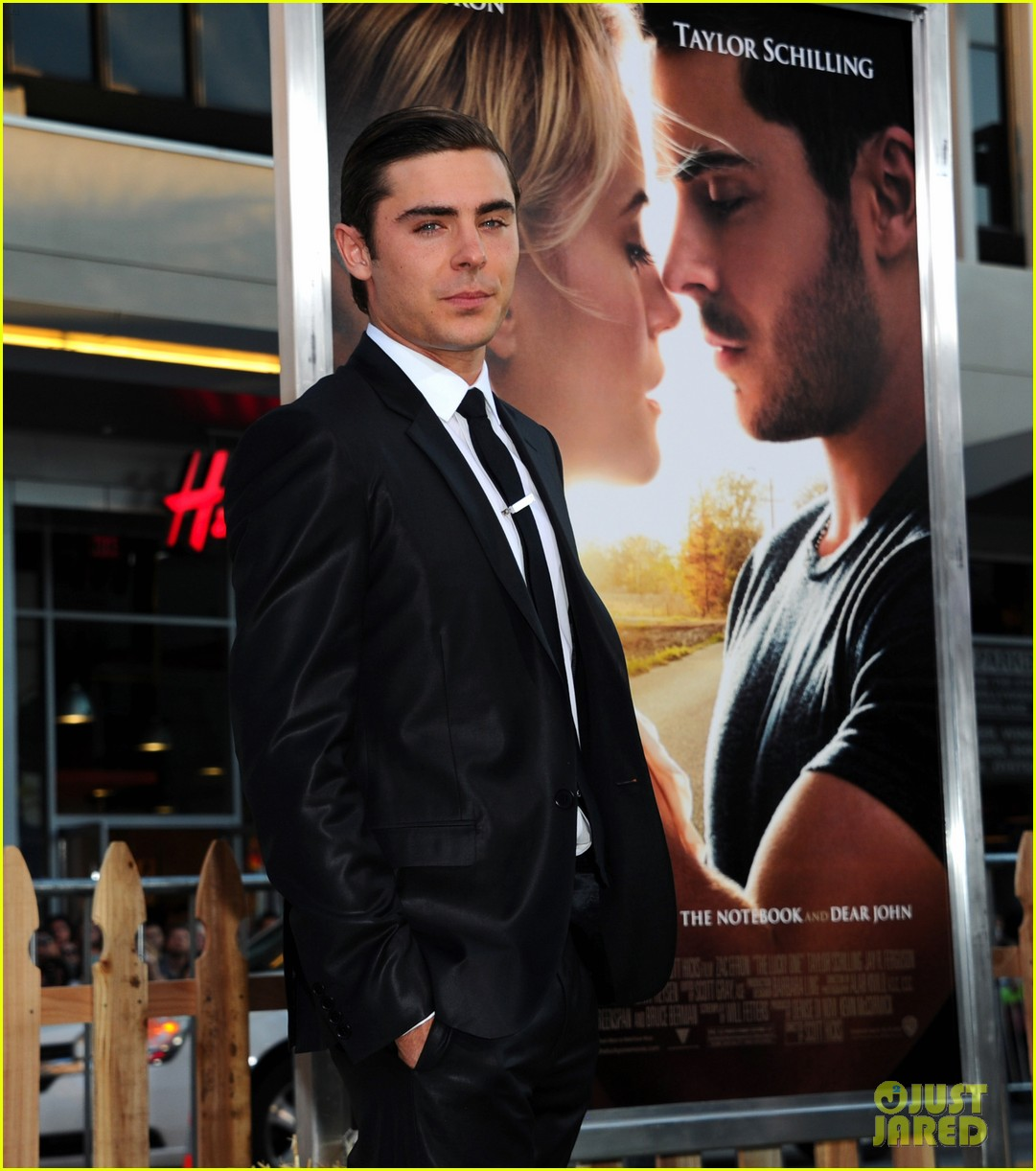 zac efron lucky one premiere 192650017