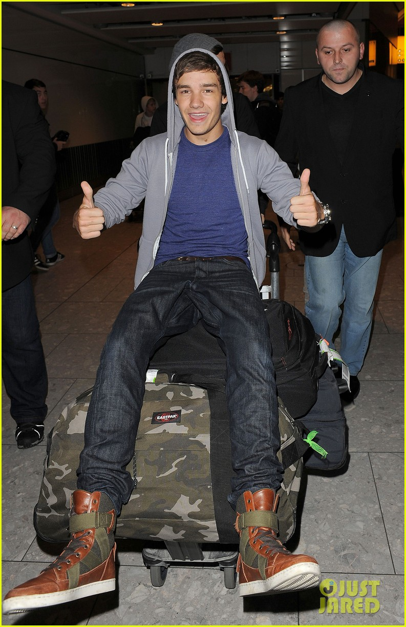one direction heathrow 05