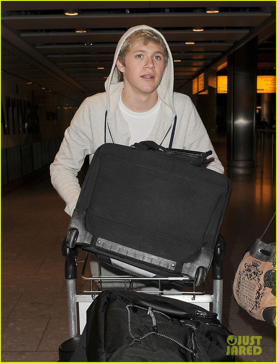 one direction heathrow 16