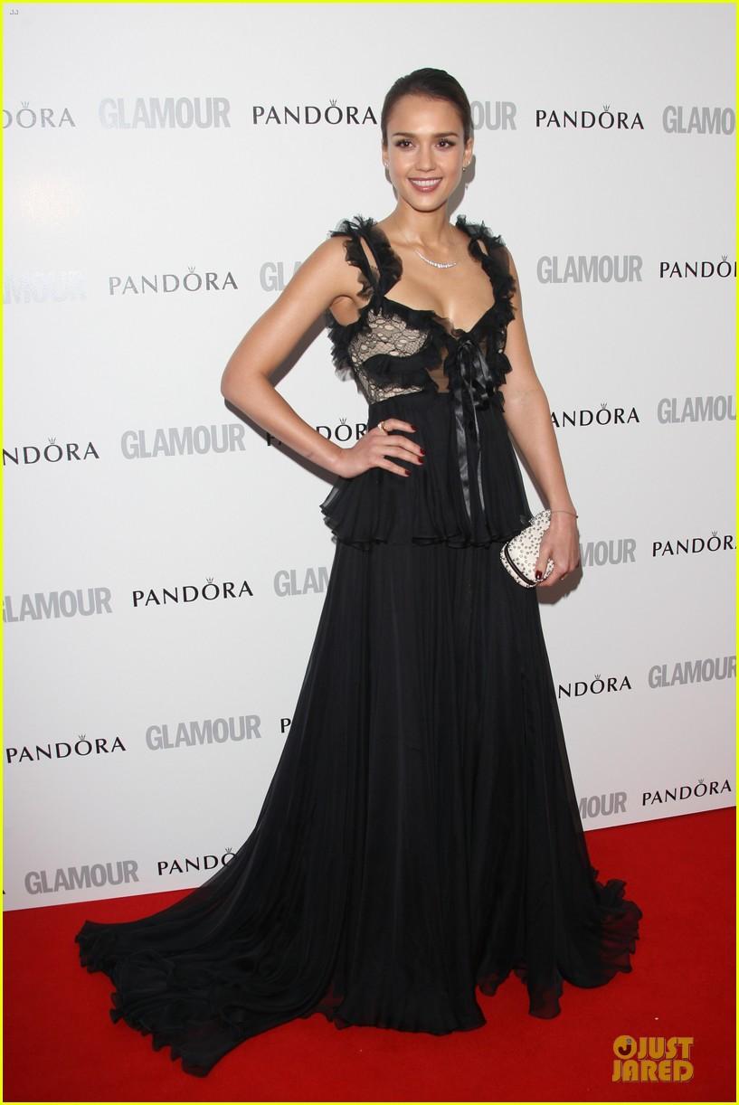 jessica alba glamour awards 022668103