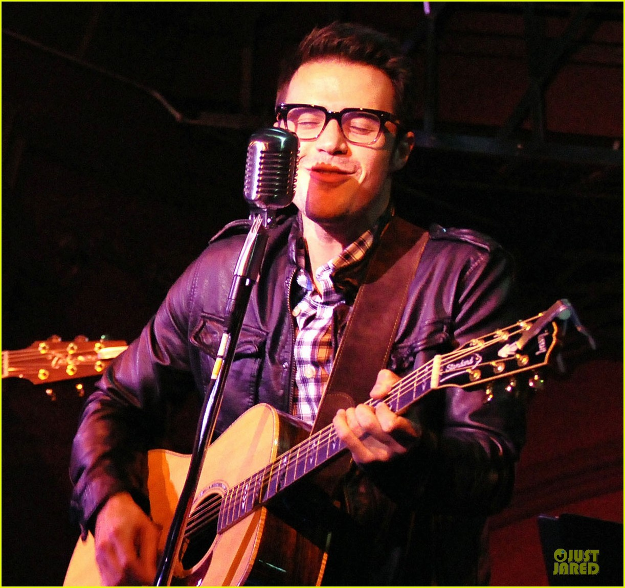 kris allen surprise performance darby 01