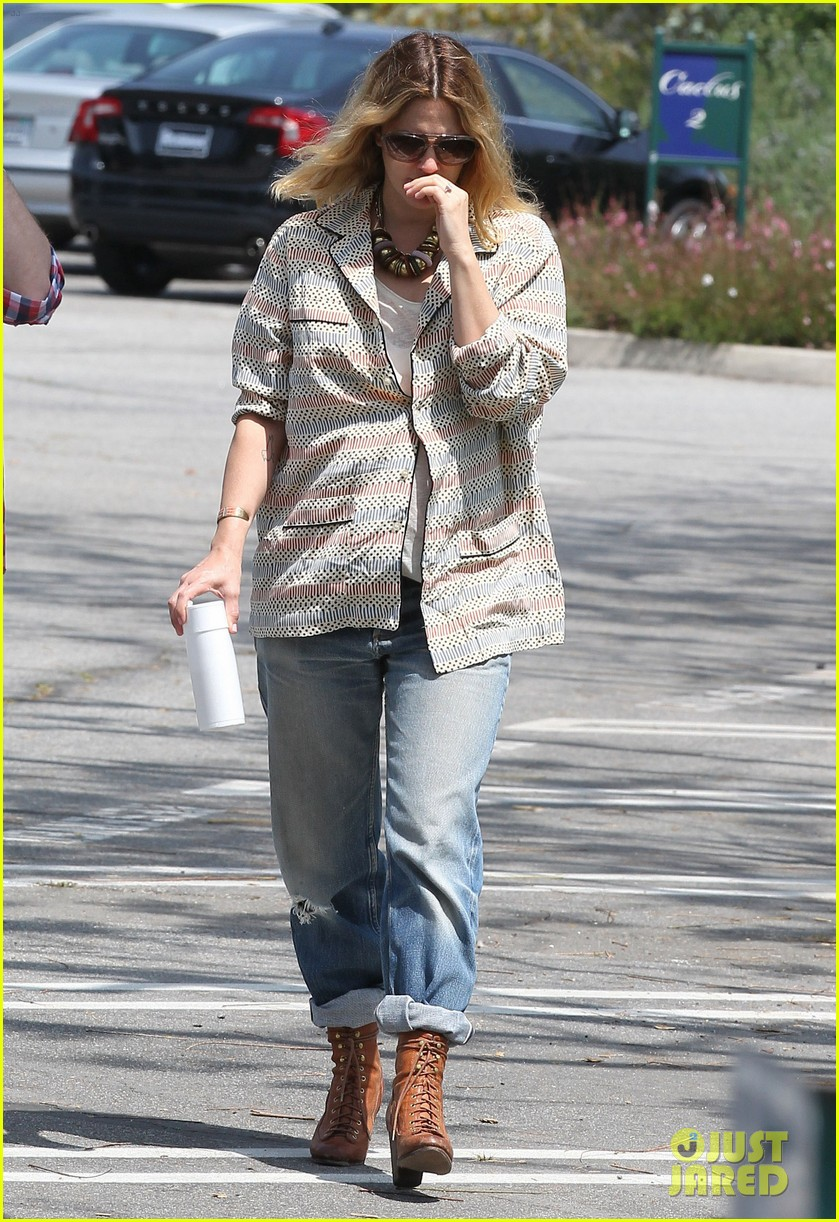drew barrymore headed to photoshoot 012655864