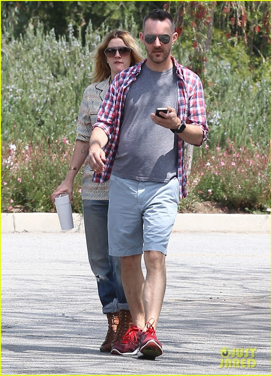 drew barrymore headed to photoshoot 082655871
