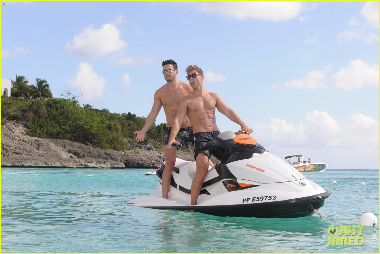 lance bass michael turchin shirtless st barts 012656454
