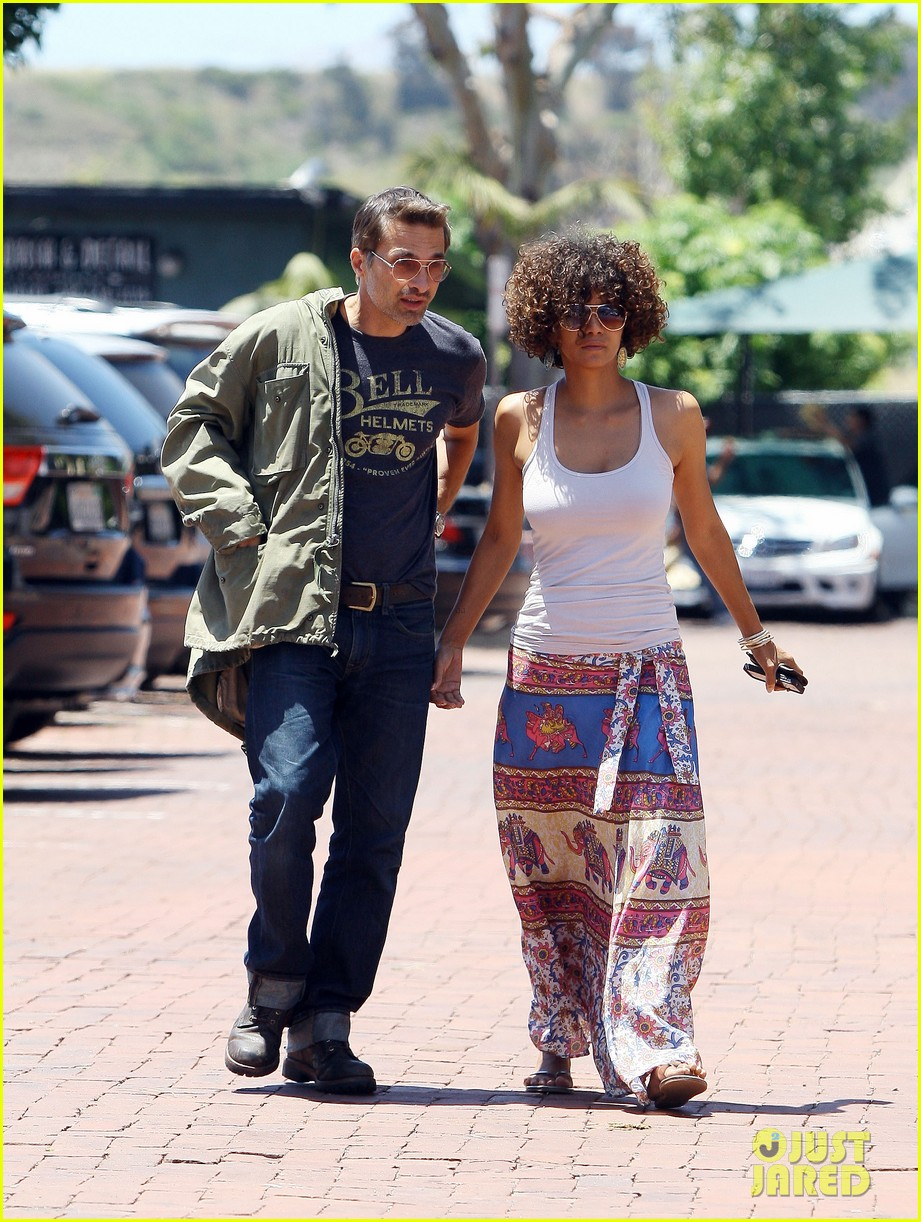 halle berry cloud atlas set for december 6 012667098