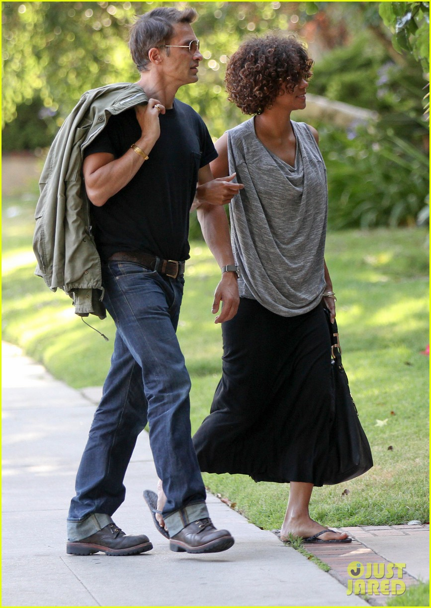 halle berry olivier martinez memorial mates 06