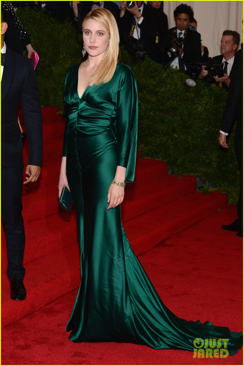 leslie bibb greta gerwig met ball 2012 16
