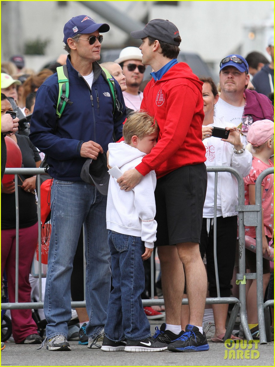 matt bomer revlon walk with simon halls son kit 01