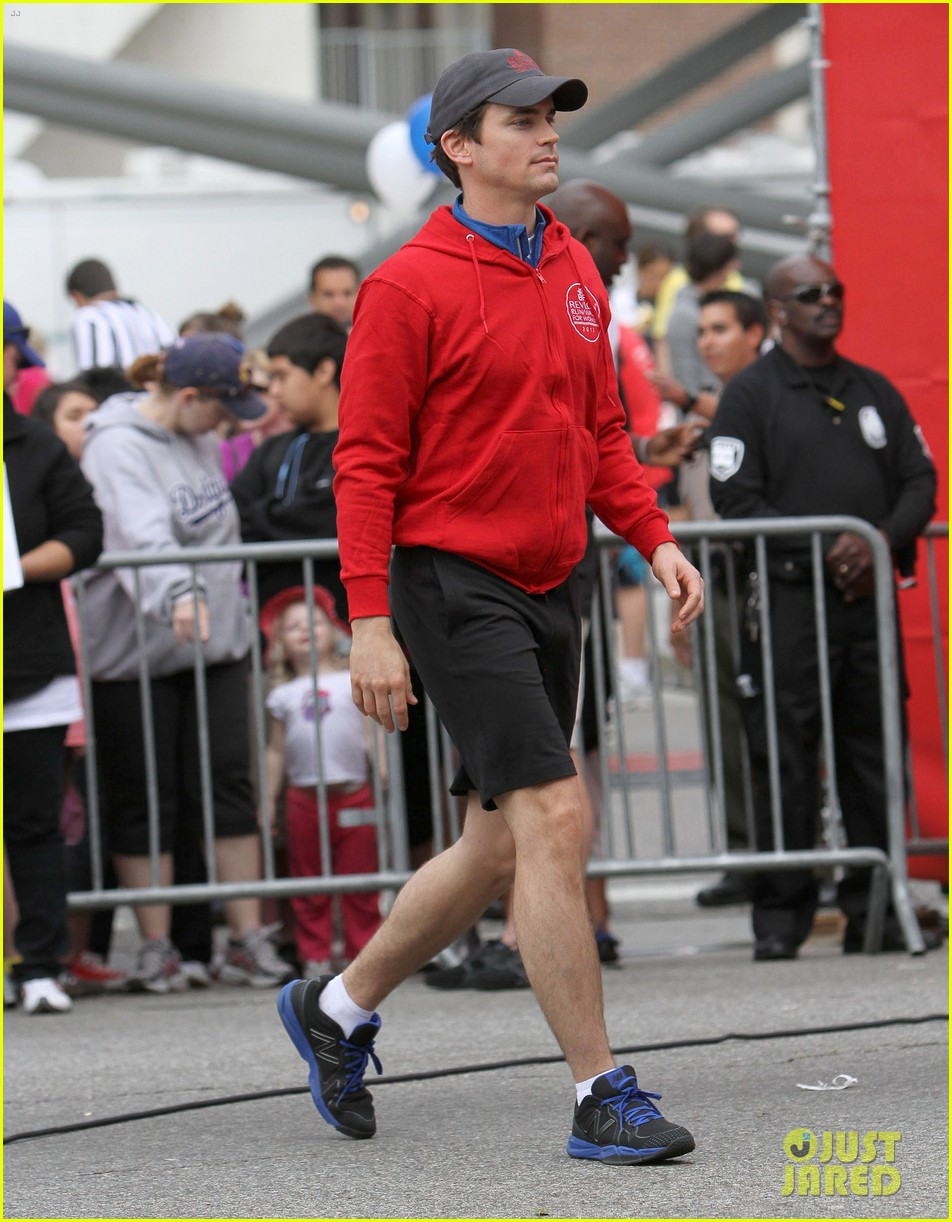 matt bomer revlon walk with simon halls son kit 03