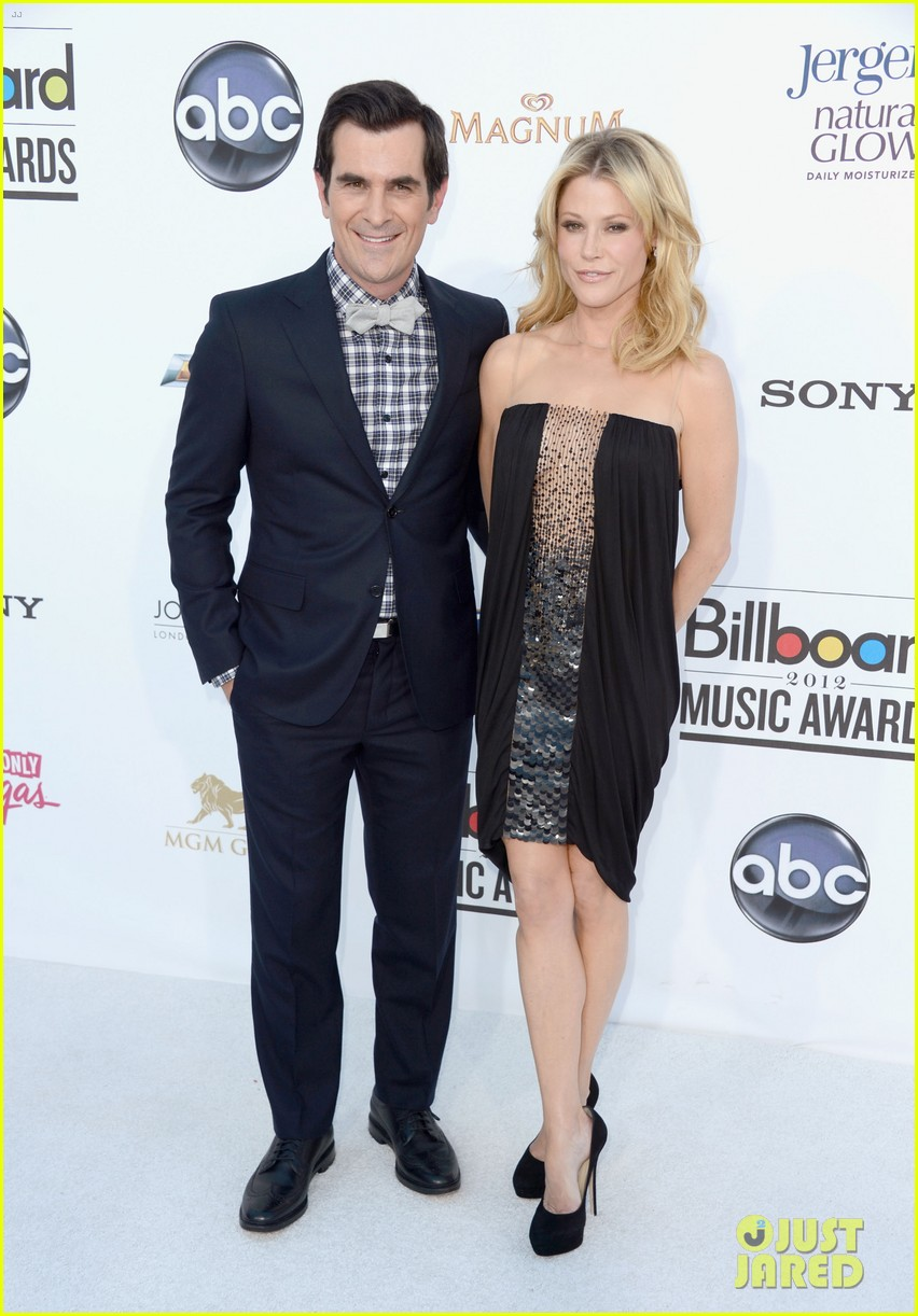 julie bowen billboard music awards 2012 02