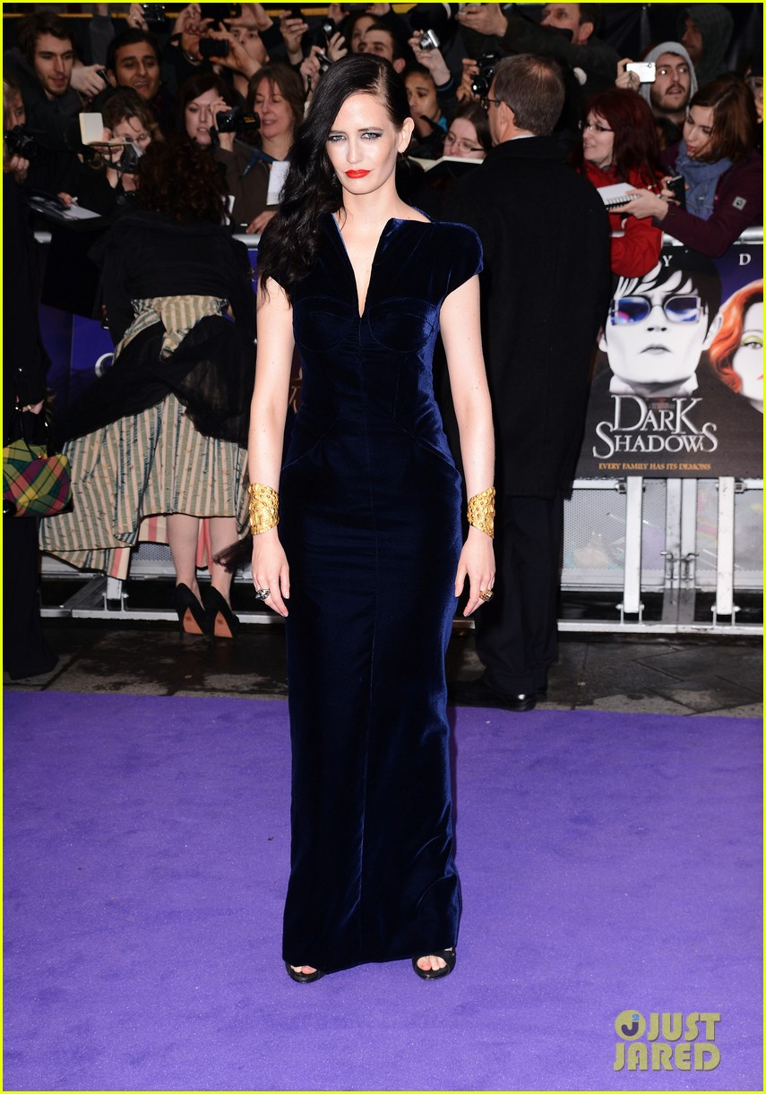 helena bonham carter bella heathcote eva green dark shadows uk premiere 072659626