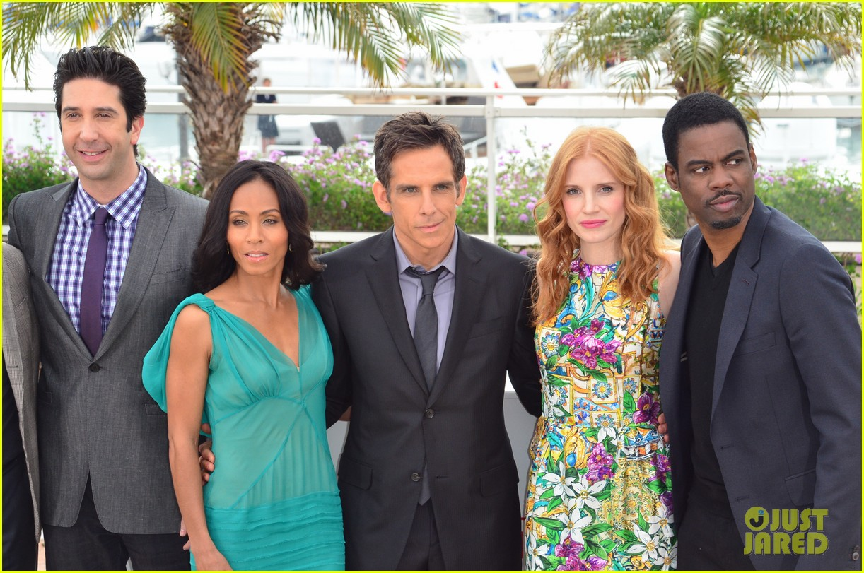 jessica chastain jada pinkett smith madagascar 3 photo call 02