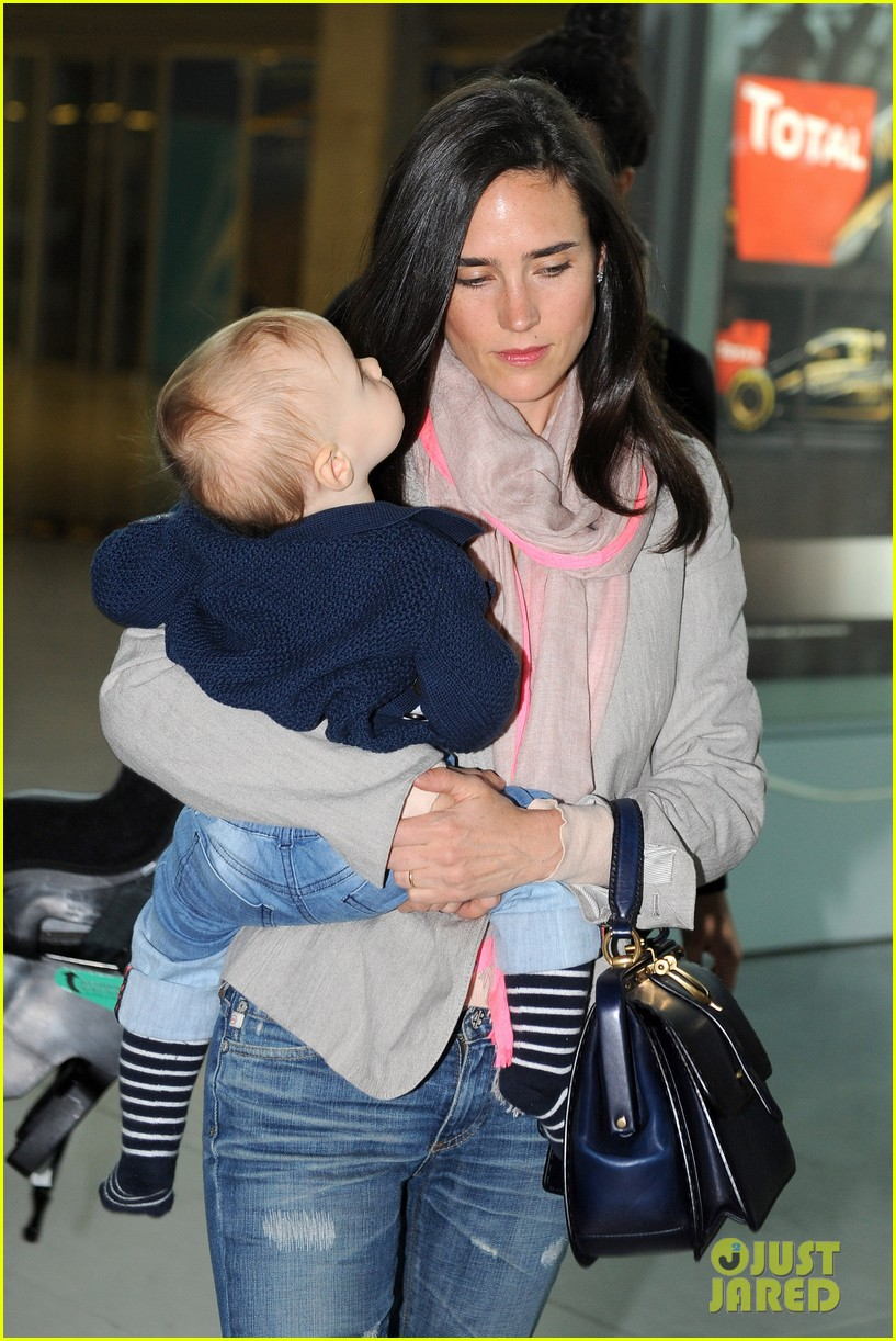 jennifer connelly leaves cannes 022665107