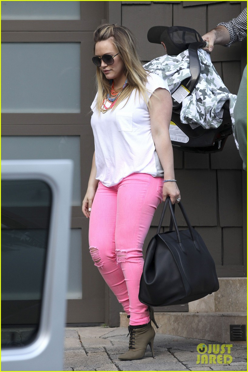 hilary duff house party with family 042664488