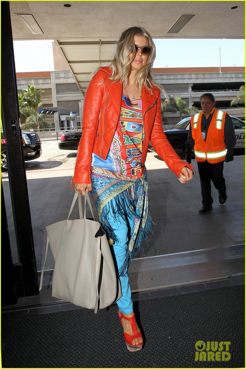 fergie josh leaving lax 05