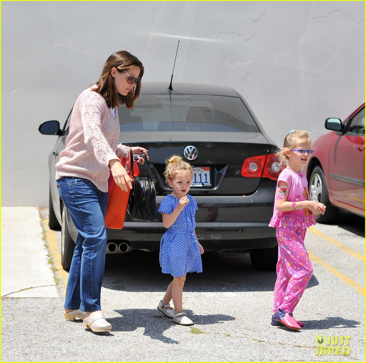 garner affleck saturday errands 052657472