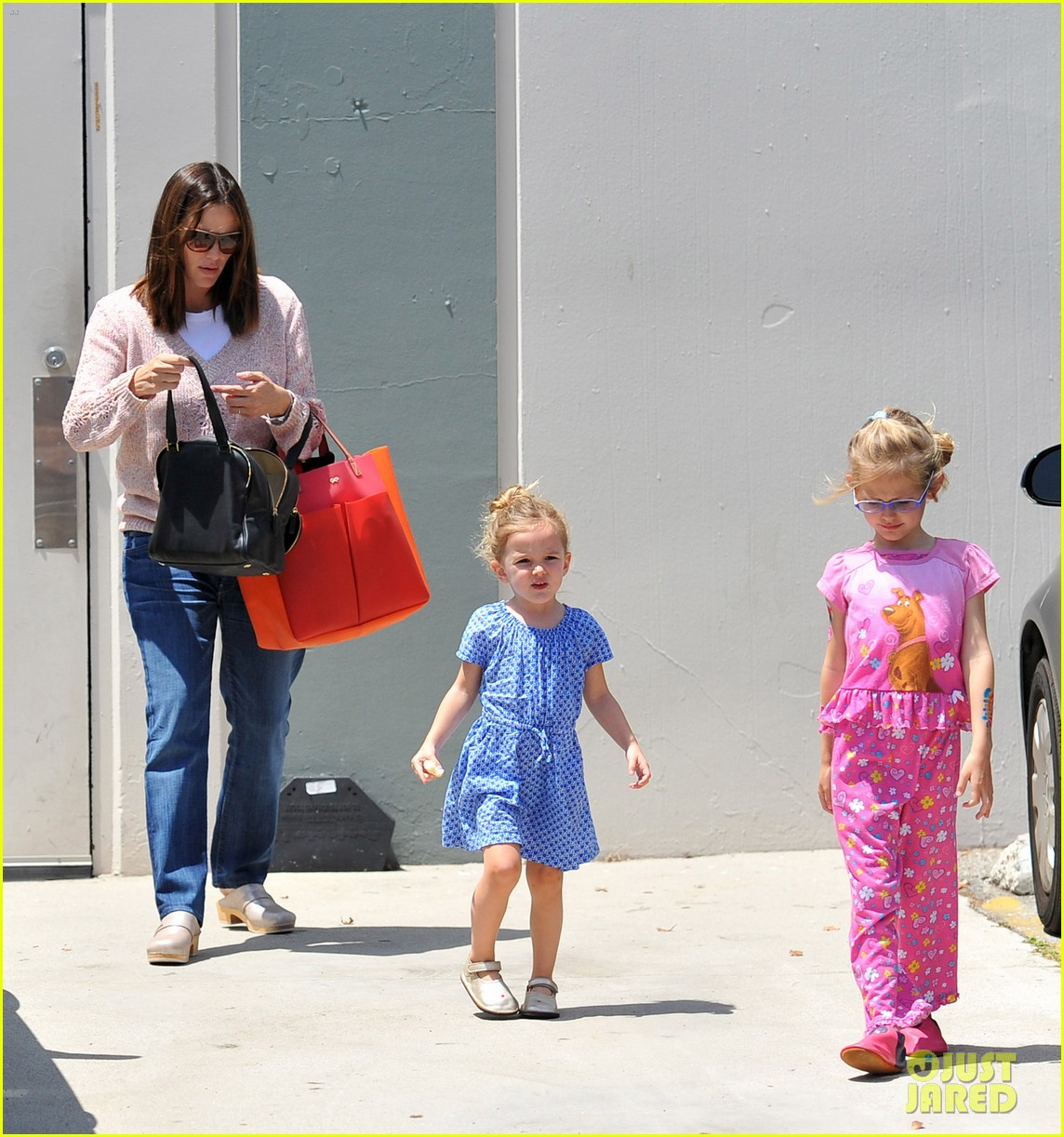 garner affleck saturday errands 242657491