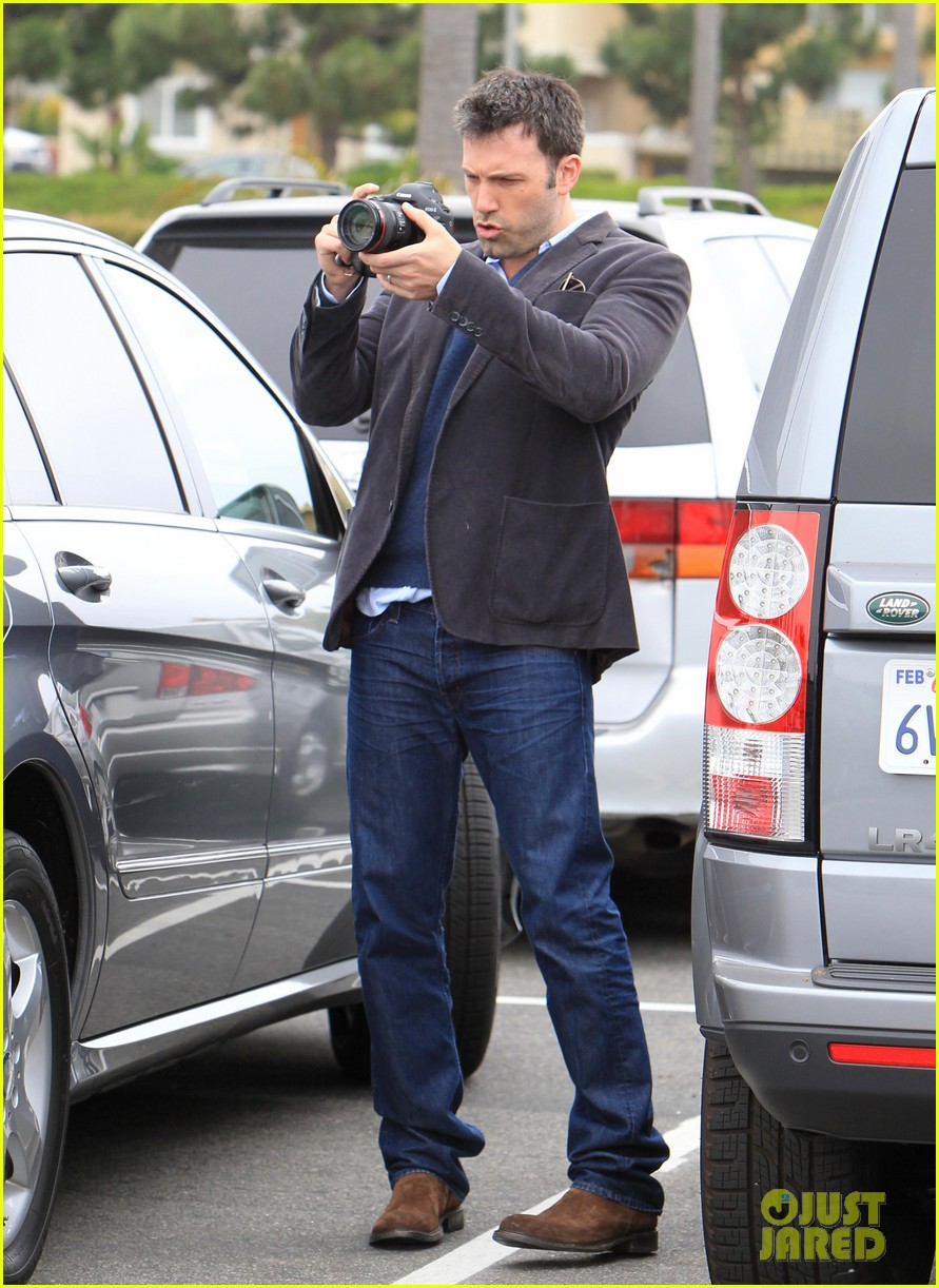 garner affleck leaving performance 062662219