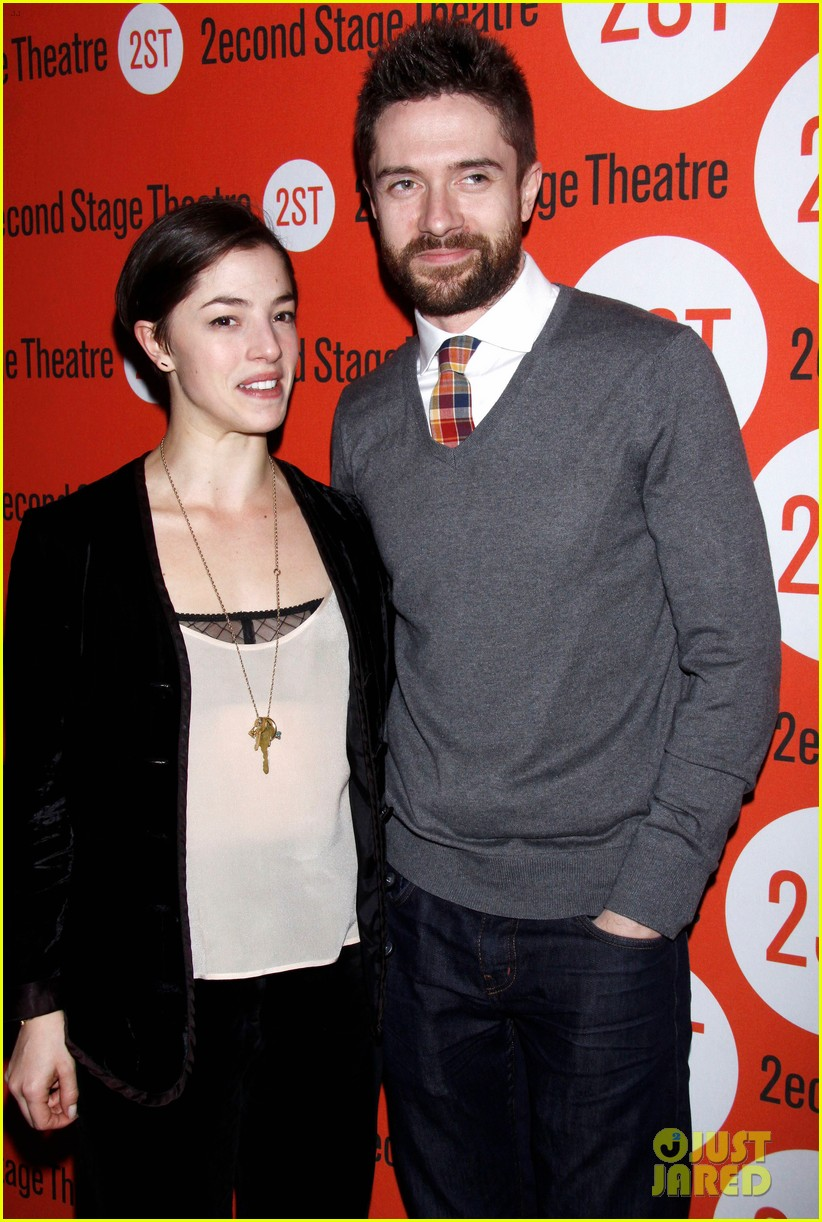 topher grace olivia thirlby lonely no more opening night 012659350