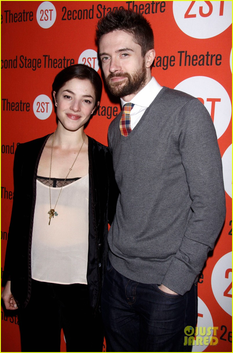 topher grace olivia thirlby lonely no more opening night 112659360