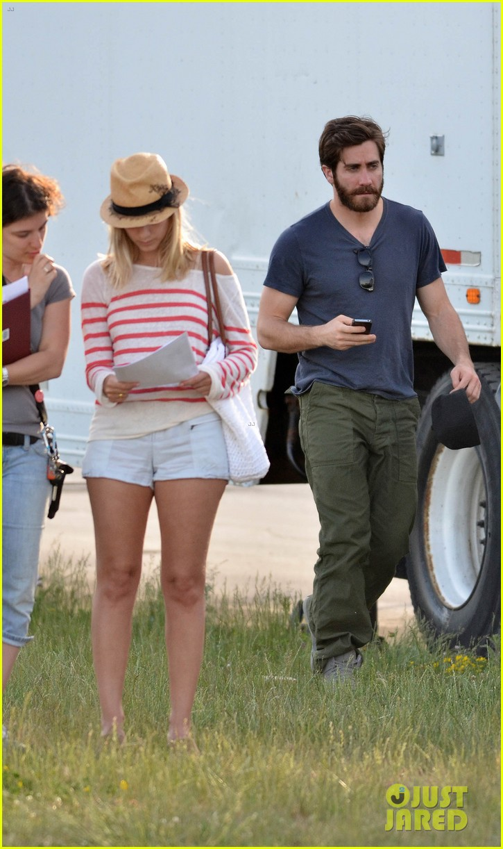 ake gyllenhaal an enemy with melanie laurent 112668327