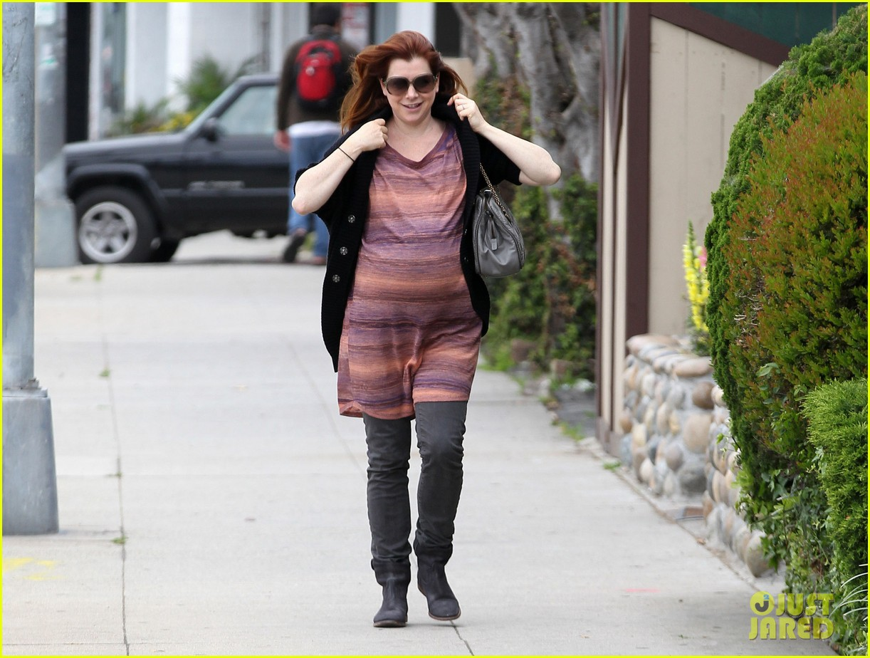 alyson hannigan errands 04