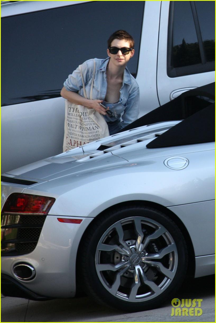 Anne Hathaway: New Car!: Photo 2665557 | Adam Shulman ...