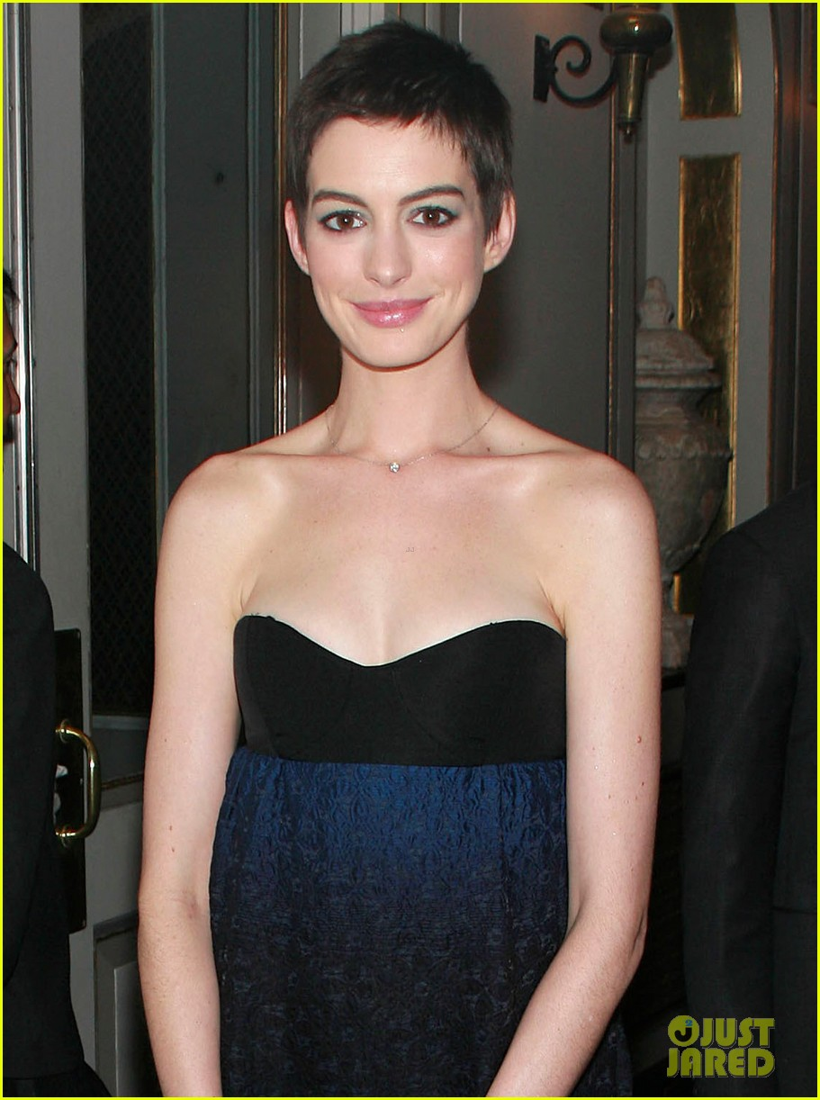 anne hathaway les miserables trailer 052662477