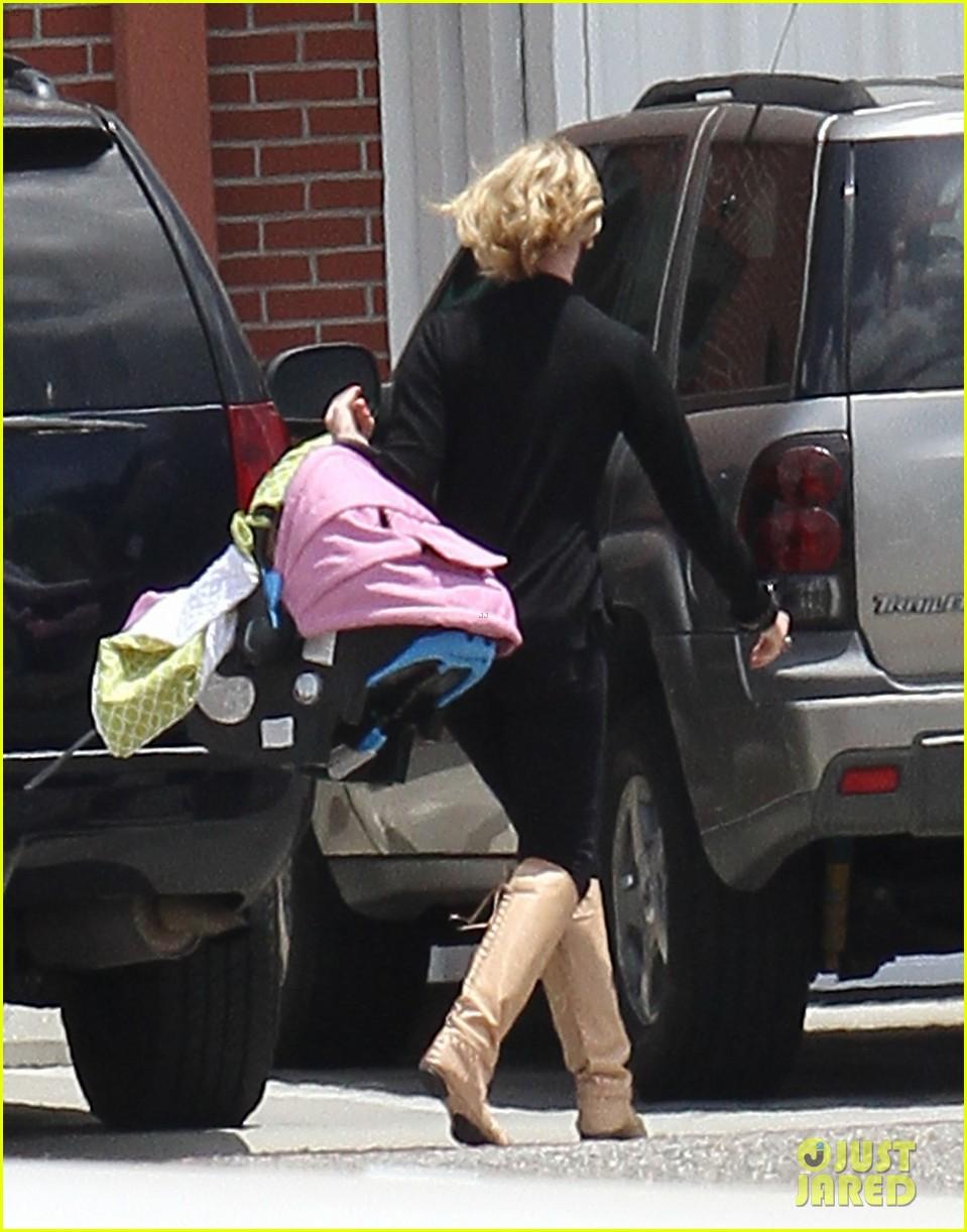 katherine heigl takes off with baby adalaide 032667156