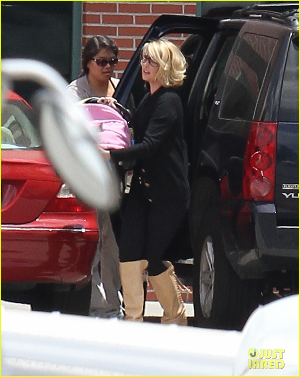 katherine heigl takes off with baby adalaide 112667164