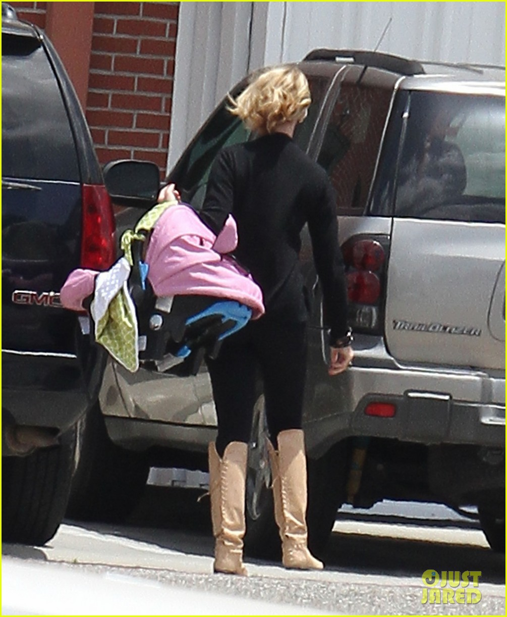 katherine heigl takes off with baby adalaide 162667169