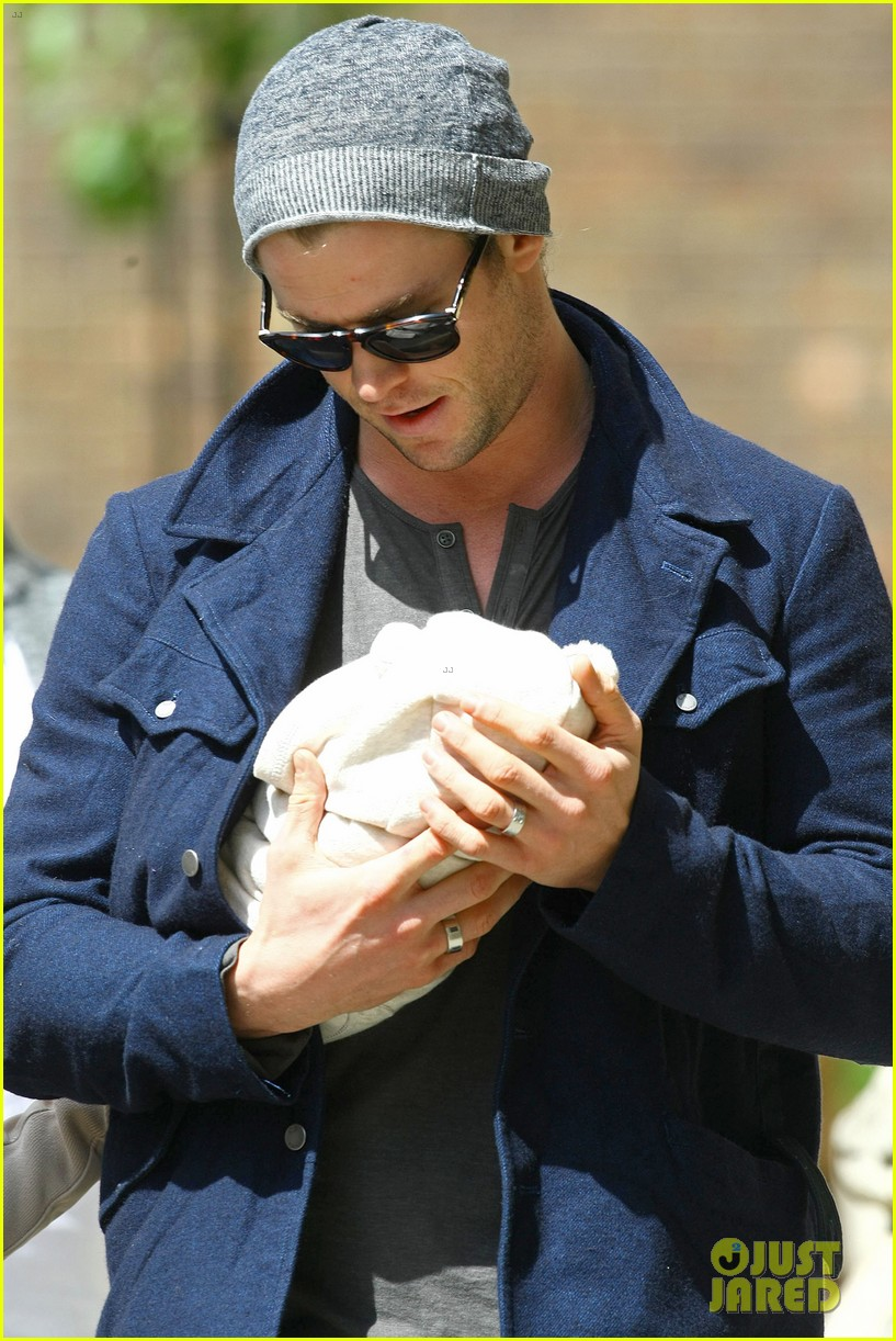 chris hemsworth elsa pataky baby india london 032662796