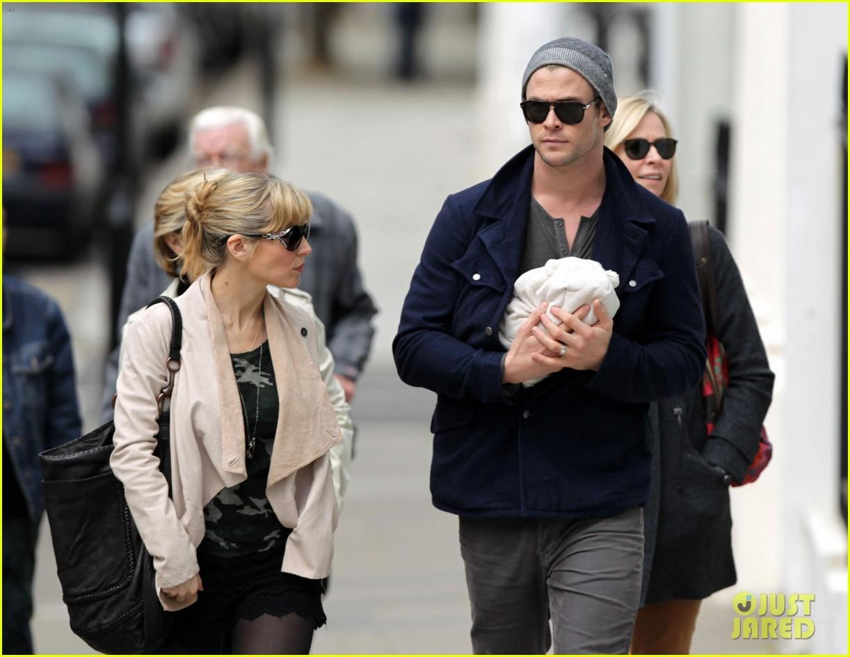 chris hemsworth elsa pataky baby india london 042662797