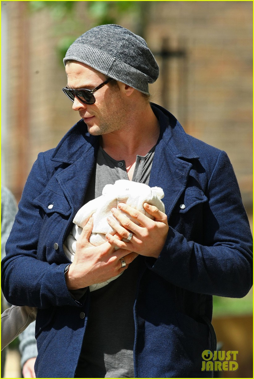 chris hemsworth elsa pataky baby india london 082662801