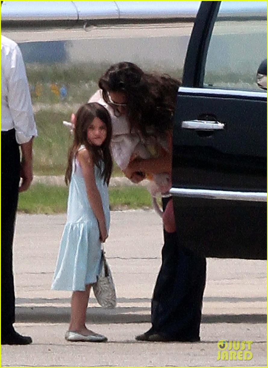 katie holmes says goodbye louisiana.jpg 06