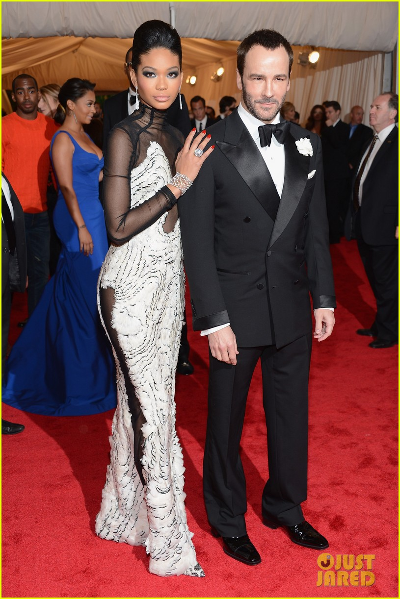 chanel iman candice swanepoel met ball 2012 042658900